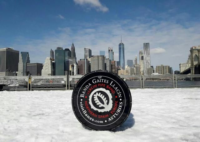 Banda de Gaitas El Llacín en Nueva York