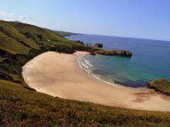 Playa de Torimbia, entre las mejores playas nudistas de España